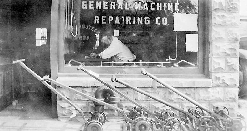 Blade sharpening in 1912